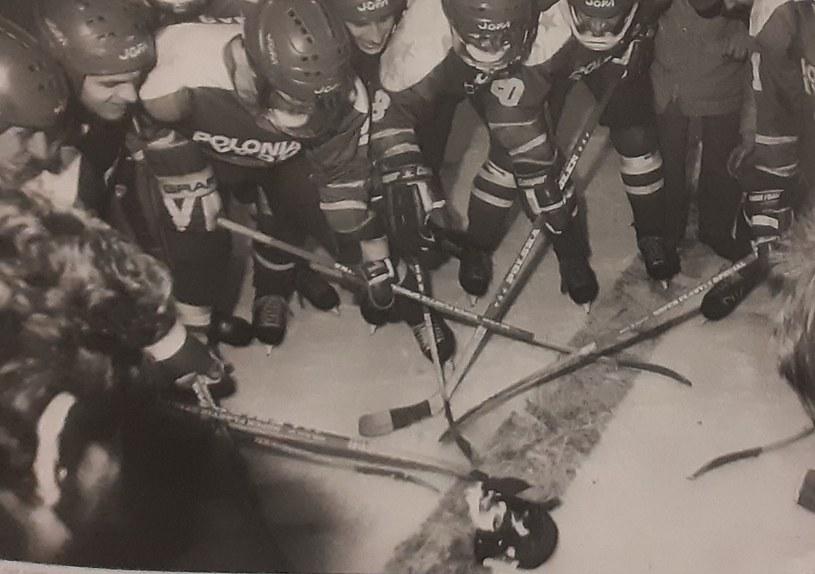 Pierwsze mistrzostwo Polski hokeiści Polonii Bytom wywalczyli w 1984 roku. Wtedy pierwszy raz spalili na tafli czapkę trenera /INTERIA.PL