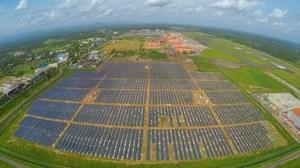 Pierwsze na świecie lotnisko zasilane energią słoneczną