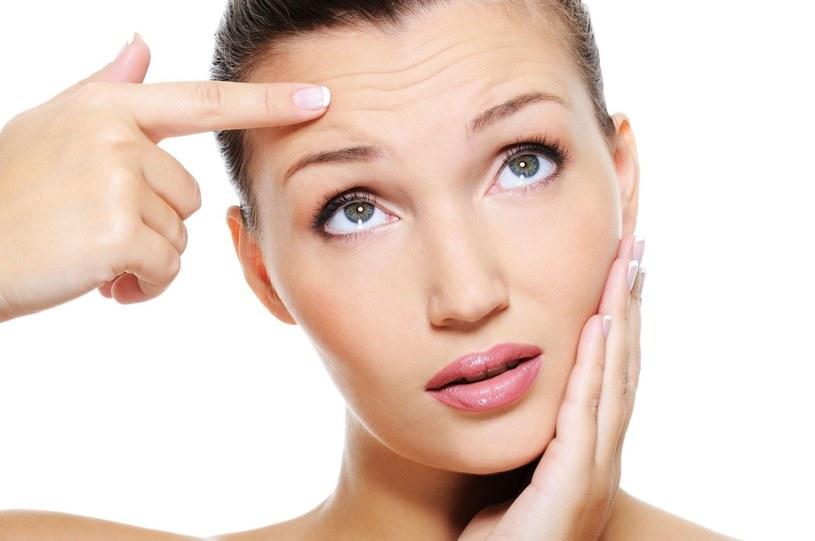 Pierwsze oznaki starzenia się skóry pojawiają się koło 25. roku życia /123RF/PICSEL