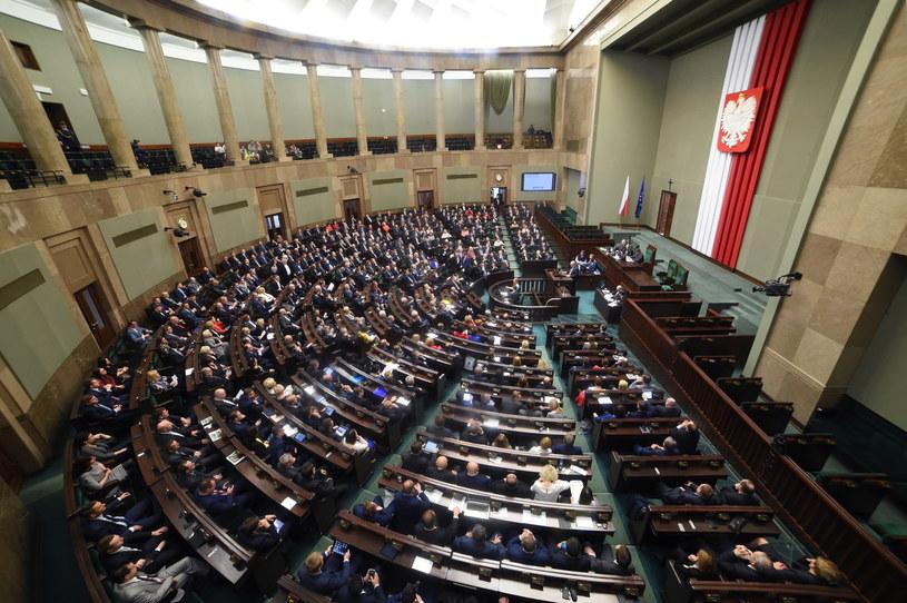 Pierwsze posiedzenie Sejmu nowej kadencji /Radek Pietruszka /PAP