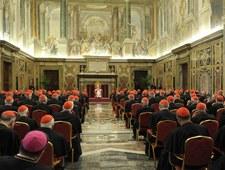 Pierwsze spotkanie kardynałów przed konklawe w poniedziałek?