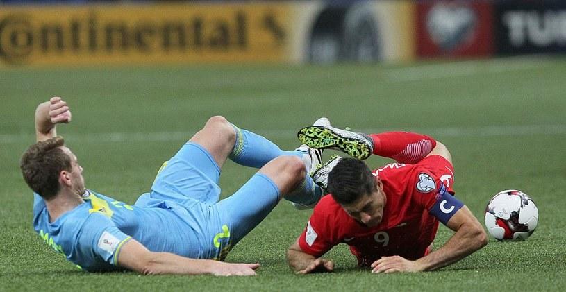Pierwsze starcie Kazachów z Polakami zakończyło się remisem /AFP