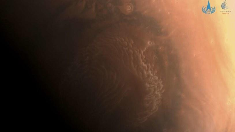 Pierwsze zdjęcia Marsa przesłane przez sondę Tianwen-1 /materiały prasowe