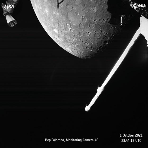 Pierwsze zdjęcie Merkurego wykonane przez sondę BepiColombo. /Europejska Agencja Kosmiczna /