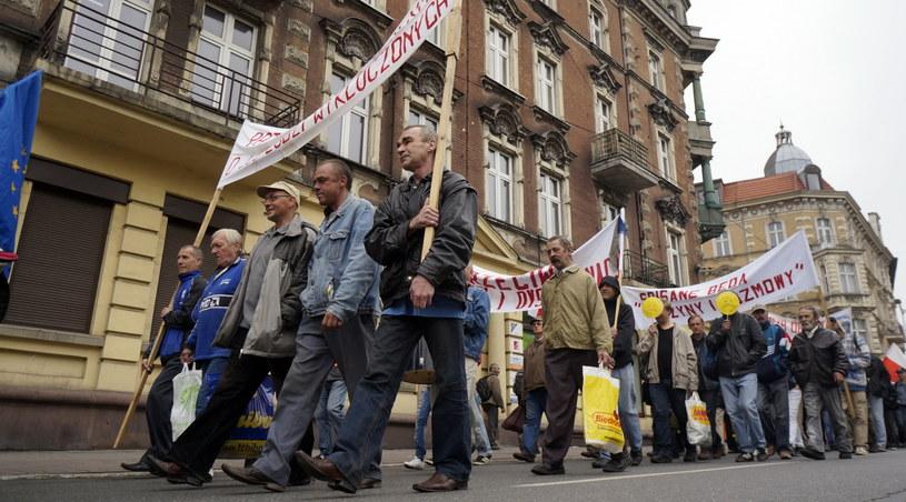 Pierwszomajowa manifestacja osób bezdomnych i bezrobotnych /Andrzej Grygiel /PAP