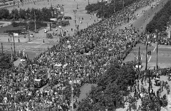 Warszawa, 01.05.1963 r., pochód pierwszomajowy
