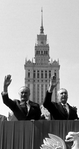 Warszawa, 1 Maja 1975, trybuna honorowa: Piotr Jaroszewicz i Edward Gierek