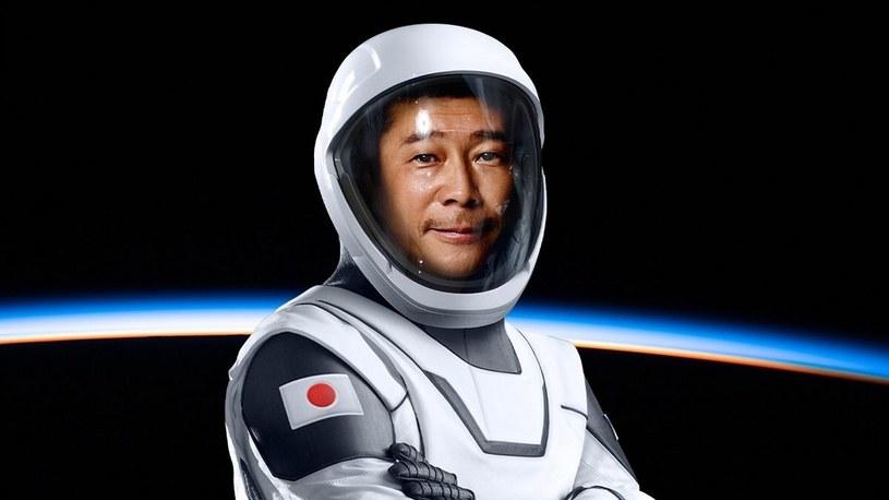 Pierwszy człowiek, który obleci Księżyc ze SpaceX, rusza do kosmicznego domu /Geekweek
