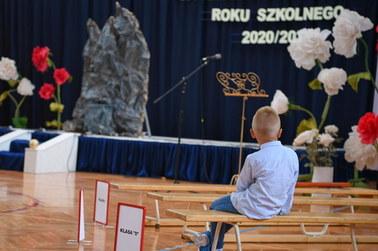 Pierwszy dzień szkoły: Ruszyły lekcje w czerwonych strefach w Małopolsce