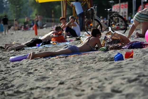 Pierwszy dzień wakacji nad Jeziorem Miedwie, fot. Marcin Bielecki /PAP