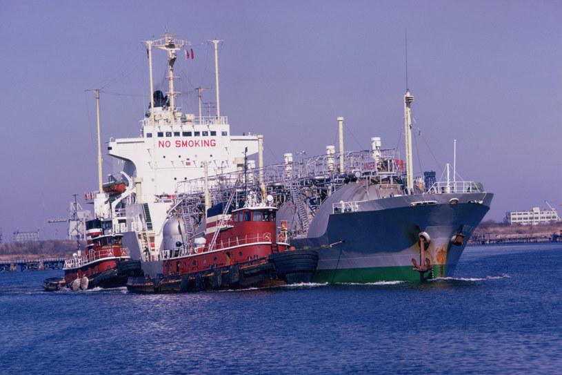 Pierwszy gazowiec z błękitnym paliwem ze Stanów Zjednoczonych wpłynął do Świnoujścia 8 czerwca br. /1996-98 AccuSoft Inc., All rights reserved /© Glowimages
