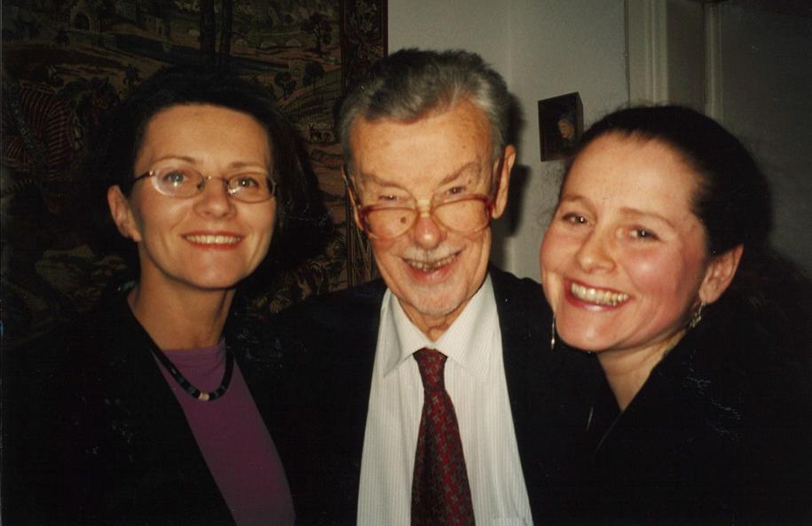 Pierwszy negocjator członkostwa Polski w UE Jan Kułakowski, po prawej szefowa jego gabinetu Agnieszka Drop, po lewej Ewa Haczyk, rzeczniczka prasowa. /Archiwum prywatne
