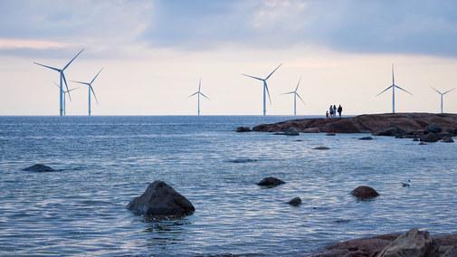 Pierwszy prąd z morskich wiatraków w 2025, ale są warunki...