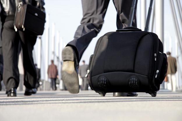 Pierwszy przewoźnik wprowadza opłaty za bagaż /© Panthermedia