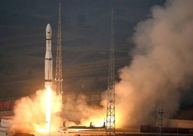 Pierwszy start rakiety Długi Marsz 6 /Kosmonauta