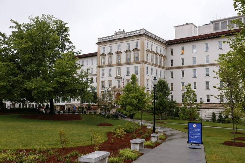 Pierwszy z chorych, który zostanie przewieziony do USA, trafi do szpitala Uniwersyteckiego w Atlancie /PAP/EPA