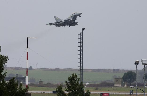 """""""Pierwszym etapem operacji w Libii jest wymuszenie zamknięcia strefy lotów"""" /AFP"""