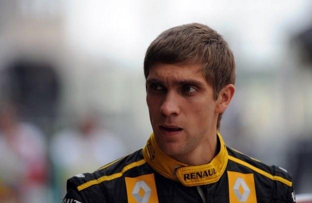 Pietrow - ma możnych sponsorów, więc dobrze jeździ... /AFP
