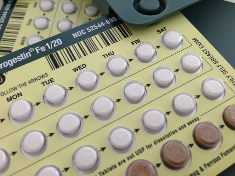 pigułki antykoncepcyjne /© Photogenica