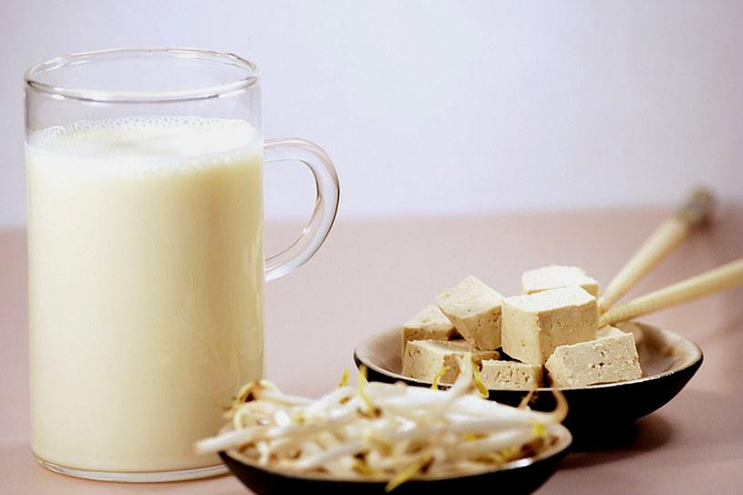 Pij mleko sojowe wzbogacone w wapń i witaminę D /East News