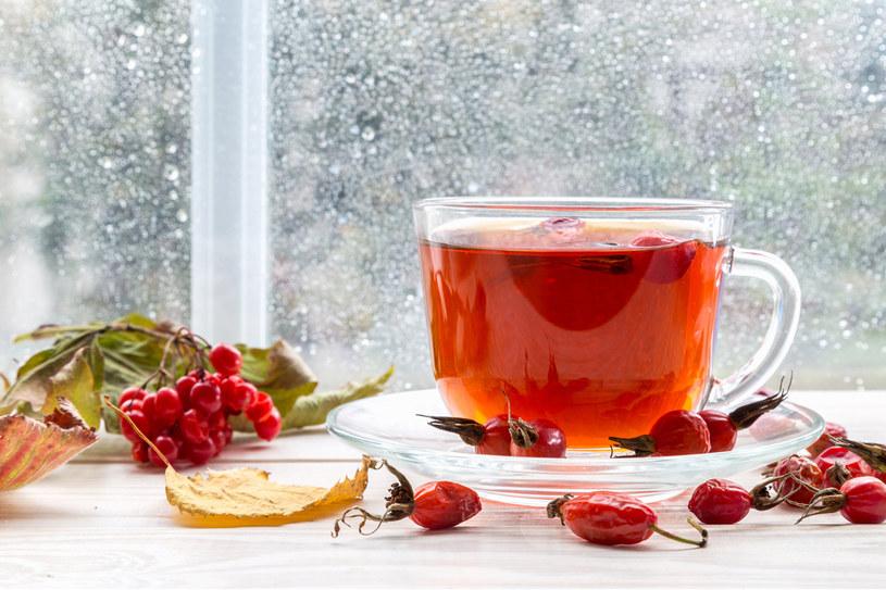 Pij napar z owoców /123RF/PICSEL