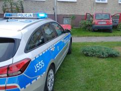 Pijana 58-latka wjechała w blok mieszkalny