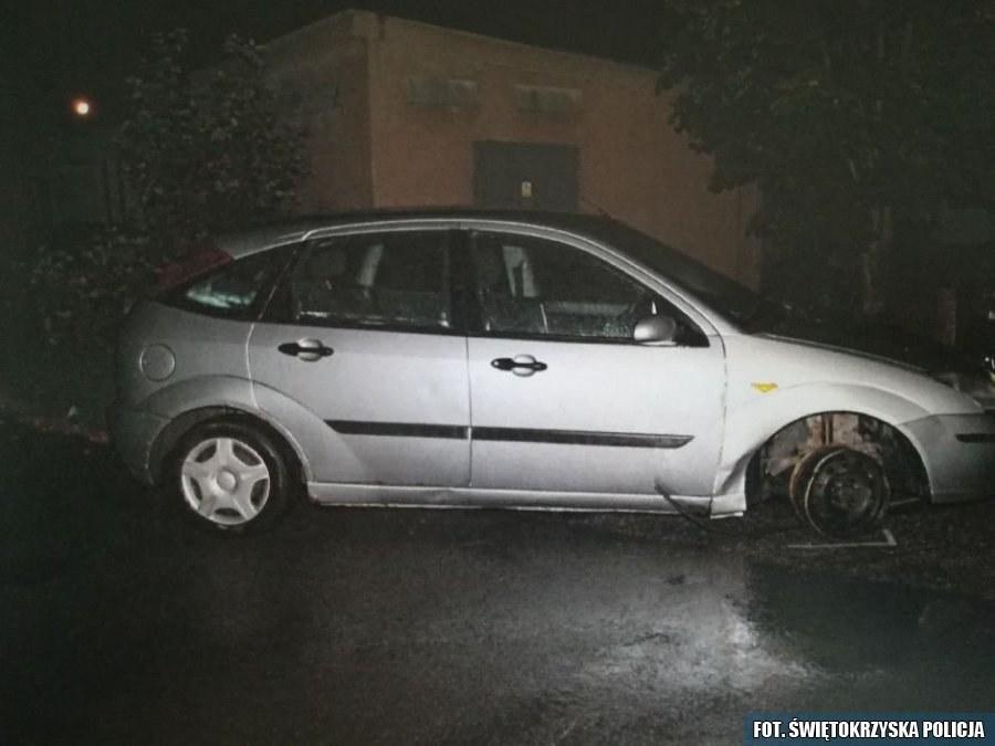Pijany 77- latek kierował samochodem na trzech kołach i feldze /Policja