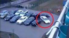 Pijany kierowca bez prawa jazdy rozbijał inne auta na parkingu