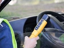 0007NDCB9UGQFU3T-C307 Pijany kierowca busa wiózł do pracy pijanych pasażerów