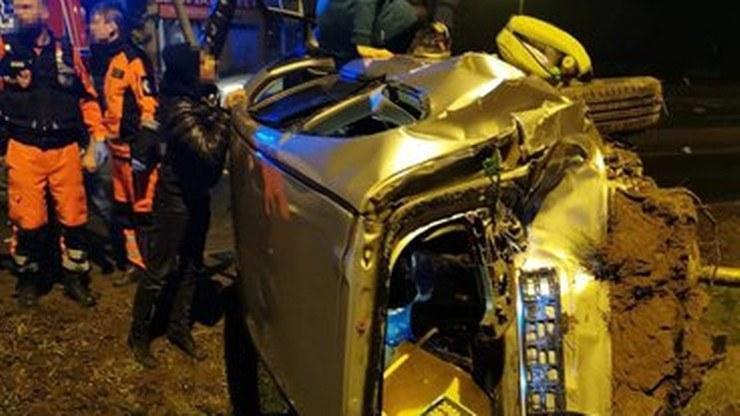 Pijany kierowca wjechał w samochód, którym podróżowała czteroosobowa rodzina w pobliżu Szreniawy w Wielkopolsce (grudzień 2020 r.) /OSP.pl/A. Wożniak /Polsat News