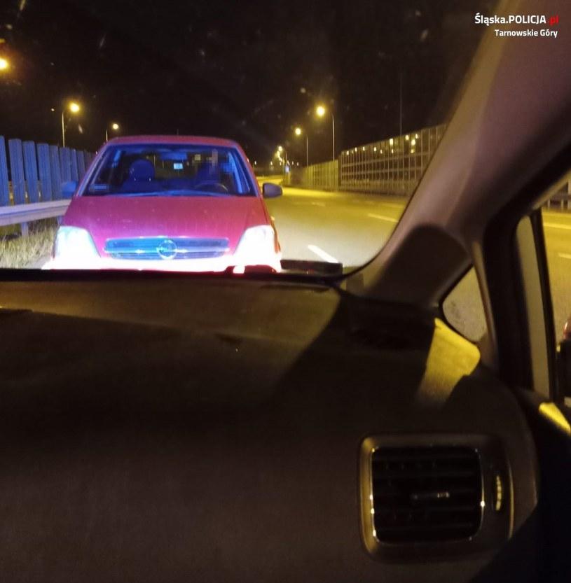 Pijany kierowca zaparkował na autostradzie A1 /Śląska policja /materiały prasowe
