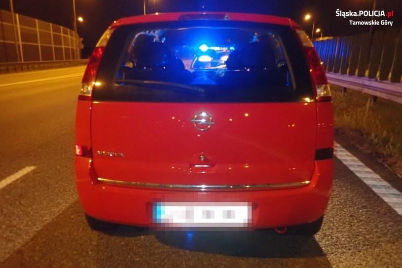 Pijany kierowca zasnął na autostradzie A1 /Śląska policja /materiały prasowe