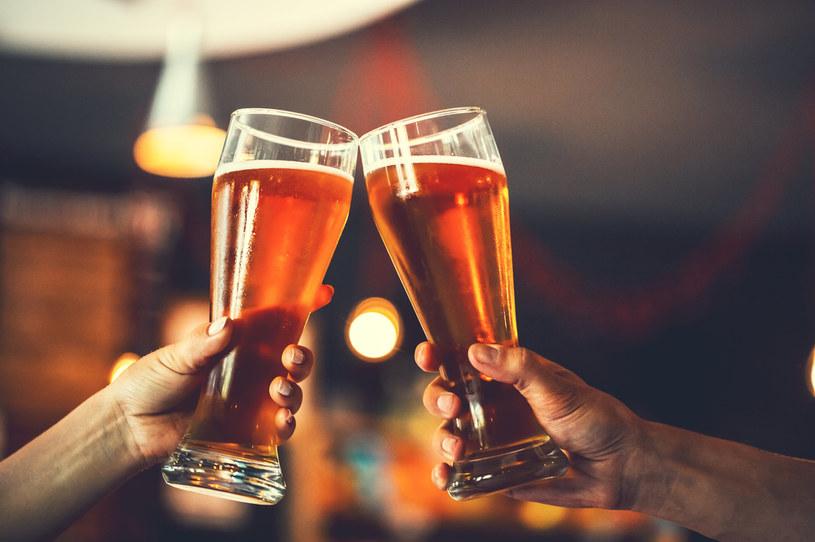 Pijemy mniej piwa. Winna pandemia i pogoda /123RF/PICSEL