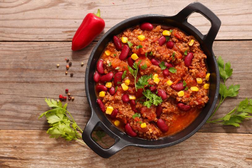 Pikantne, rozgrzewające chili con carne /123RF/PICSEL