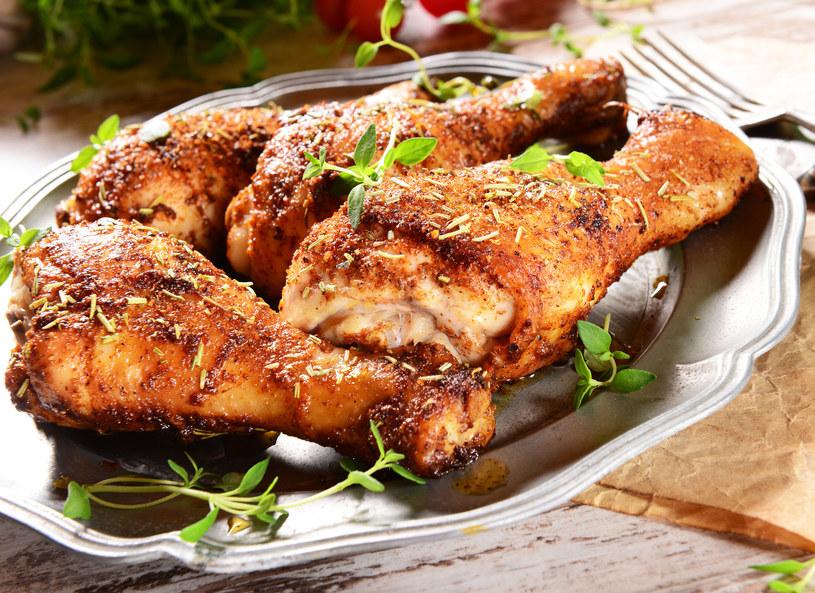 Pikantne uda z kurczaka /123RF/PICSEL