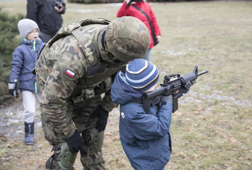 Piknik wojskowy we Wrocławiu /Leszek Kotarba  /East News