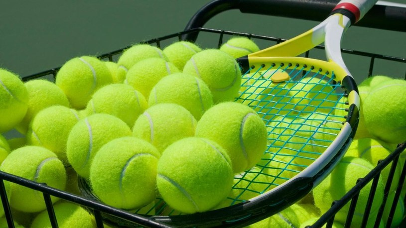 piłeczki tenisowe /© Photogenica