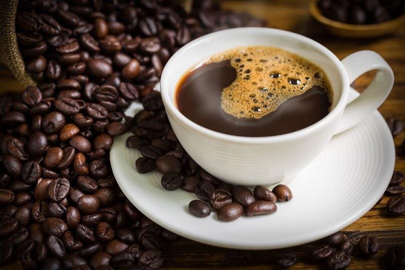 Pili zioła, bo nie było ich stać na kawę. Efekty okazały się spektakularne /123RF/PICSEL