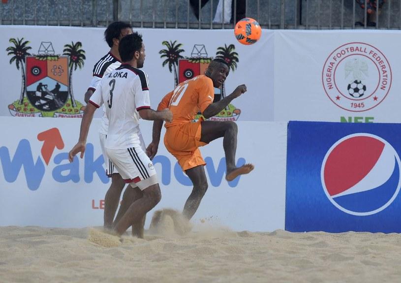 Piłka nożna plażowa /AFP