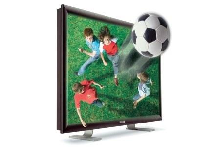 Piłka przekracza barierę ekranu - 3D wraca do łask /Next