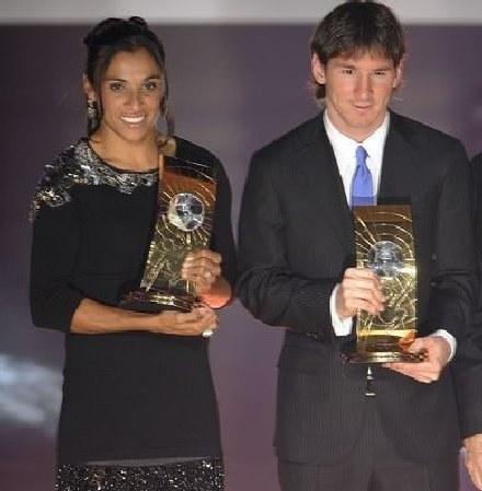 Piłkarka roku - Marta i piłkarz roku 2009 - Leo Messi. /AFP