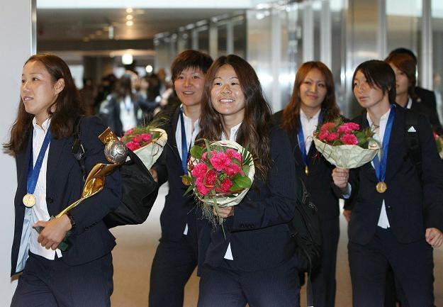 Piłkarki Japonii na lotnisku Narita. /AFP