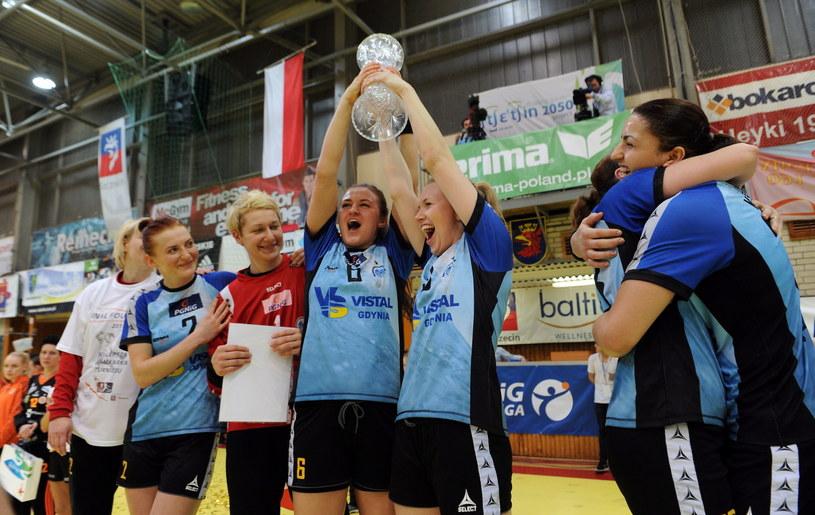 Piłkarki ręczne Vistalu Gdynia zdobyły Puchar Polski /Fot. Marcin Bielecki /PAP
