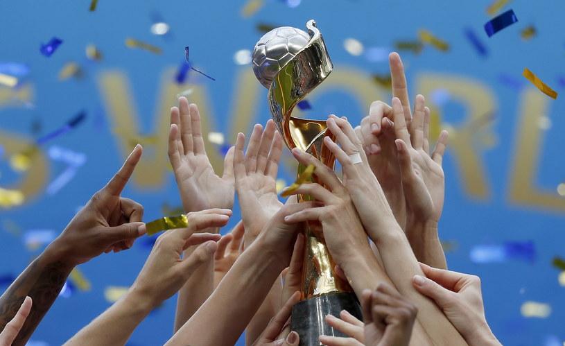 Piłkarski reprezentacji USA celebrują zdobycie mistrzostwa świata /PAP/EPA