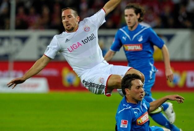 Piłkarz Bayernu Franck Ribery odniósł kontuzję w meczu z Hoffenheim /AFP