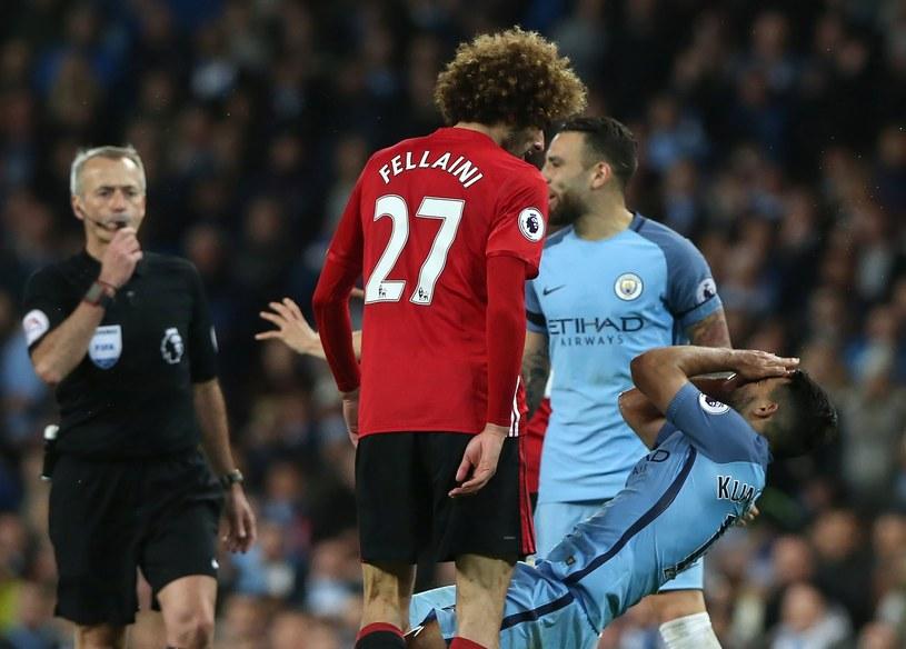 """Piłkarz Manchesteru United Marouane Fellaini uderzył """"z byka"""" Sergio Aguero /PAP/EPA"""