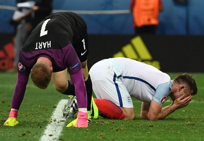 Piłkarze Anglii byli załamani po przegranej z Islandią /AFP
