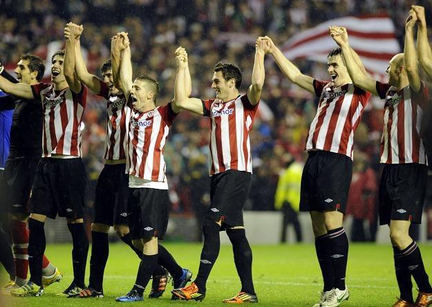 Piłkarze Athletic Bilbao świętują awans do półfinału Ligi Europejskiej /AFP