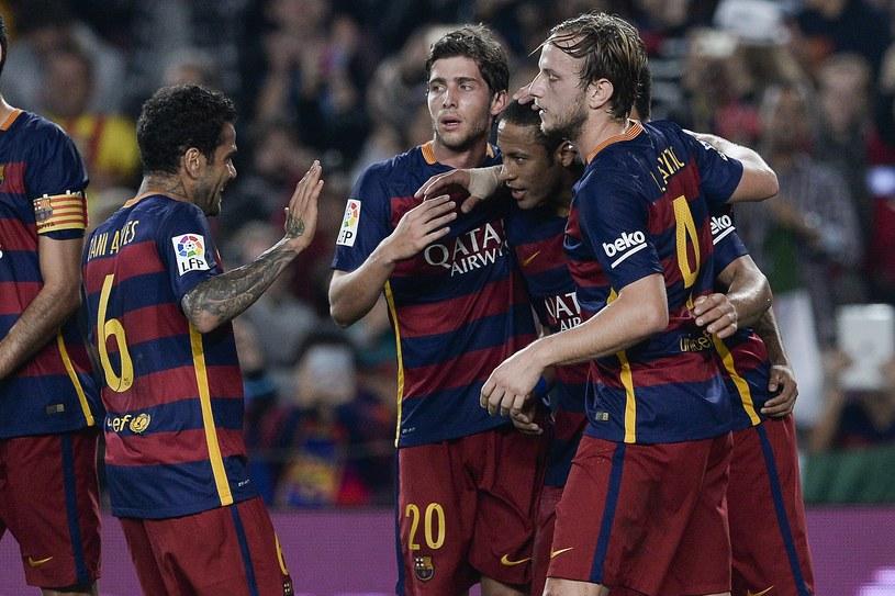 Piłkarze Barcelony dostali wysokie premie za sukcesy /AFP