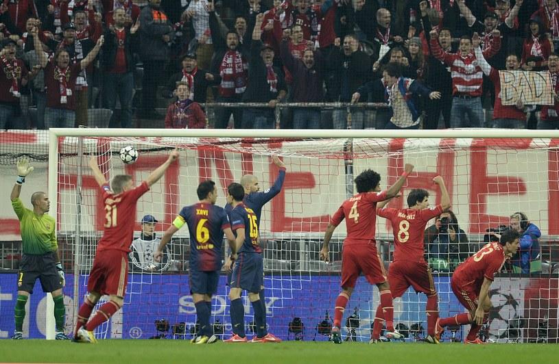 Piłkarze Barcelony protestują po golu Maria Gomeza /AFP